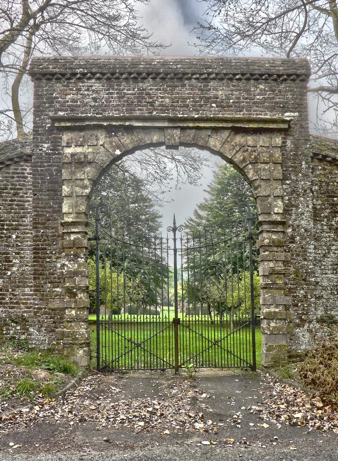 Gateway to Northbourne Court