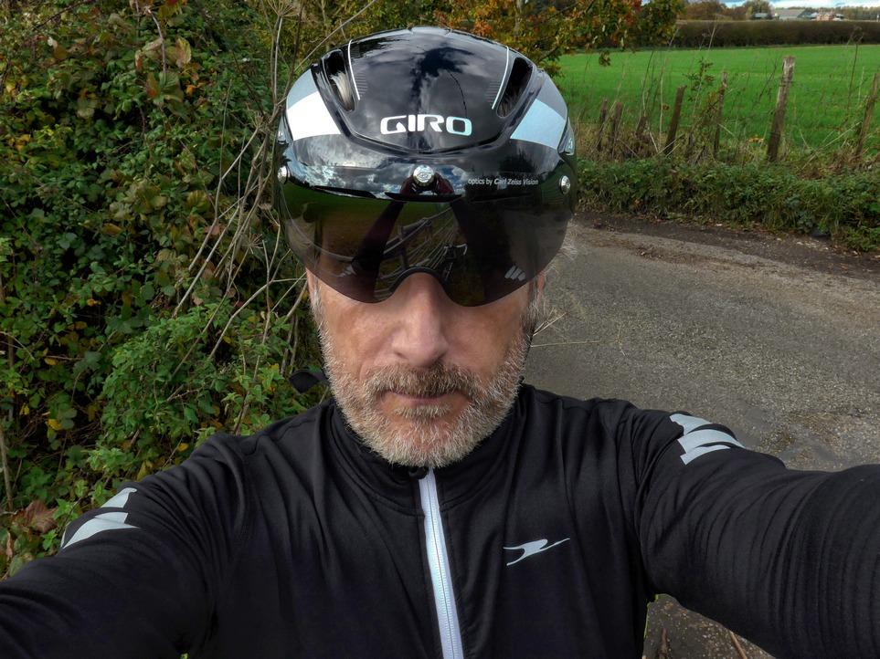 Helmet -r