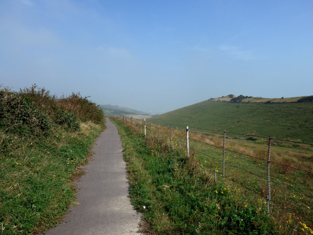 Path down to Samphire Hoe