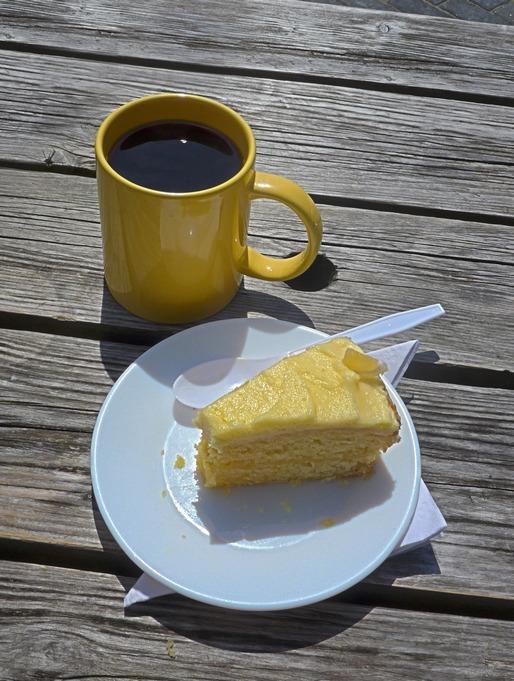 Coffee + Cake -r