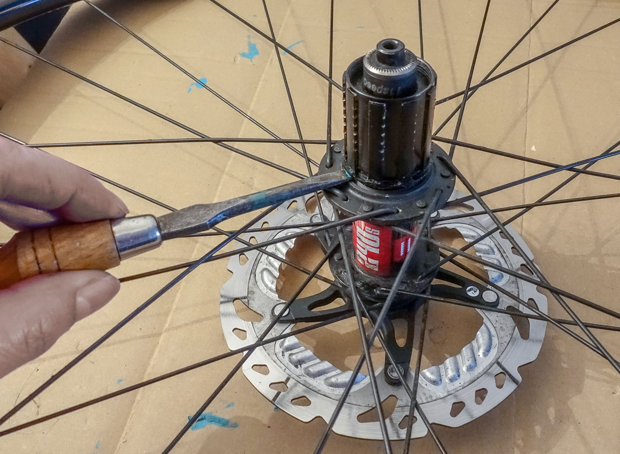 Removing DT Swiss freehub